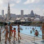 Открытый общественный бассейн в Брюсселе