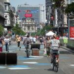 Пешеходная зона в Брюсселе оснащена выдвижными столбами