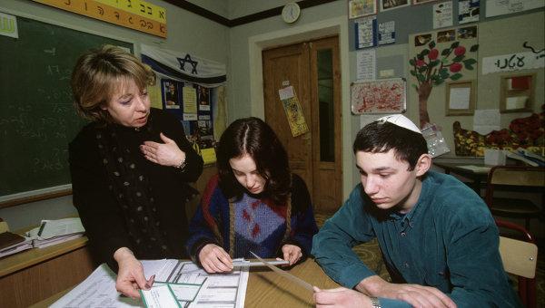 Evreyskie-shkoly-Belgii-otmenili-zanyatiya-iz-za-ugrozy-teraktov