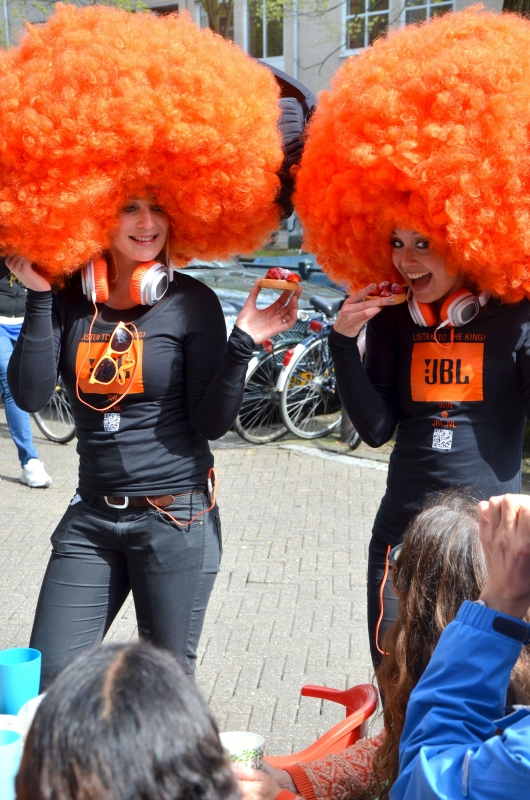 1395320395-amstertdam-kingsday-3