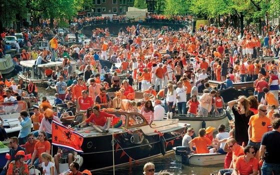 28892_fullimage_Koninginnedag_Amsterdam_1_560x350