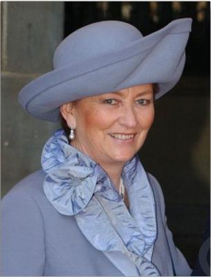 Queen-Paola