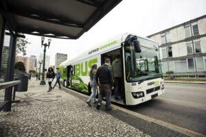 Hybrid-bus-e1442843770304